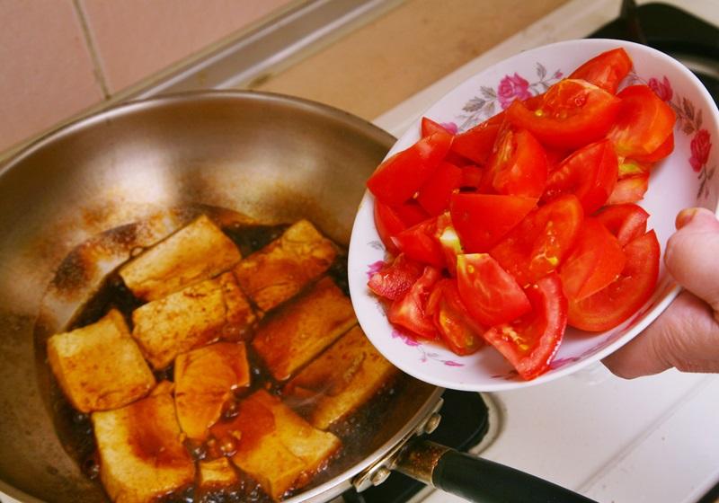 胡天兰私房番茄烧豆腐