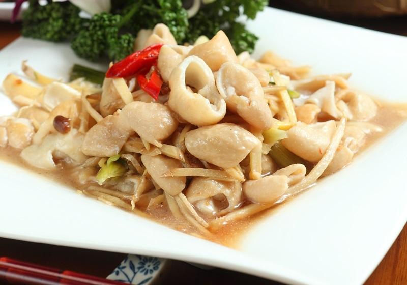 客家经典美味—姜丝炒大肠:特色是咬不