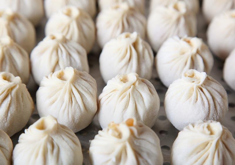 外国人最爱的小笼汤包,按照「这个顺序」吃更好吃?