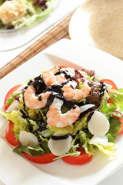 黑芝麻海鲜沙拉