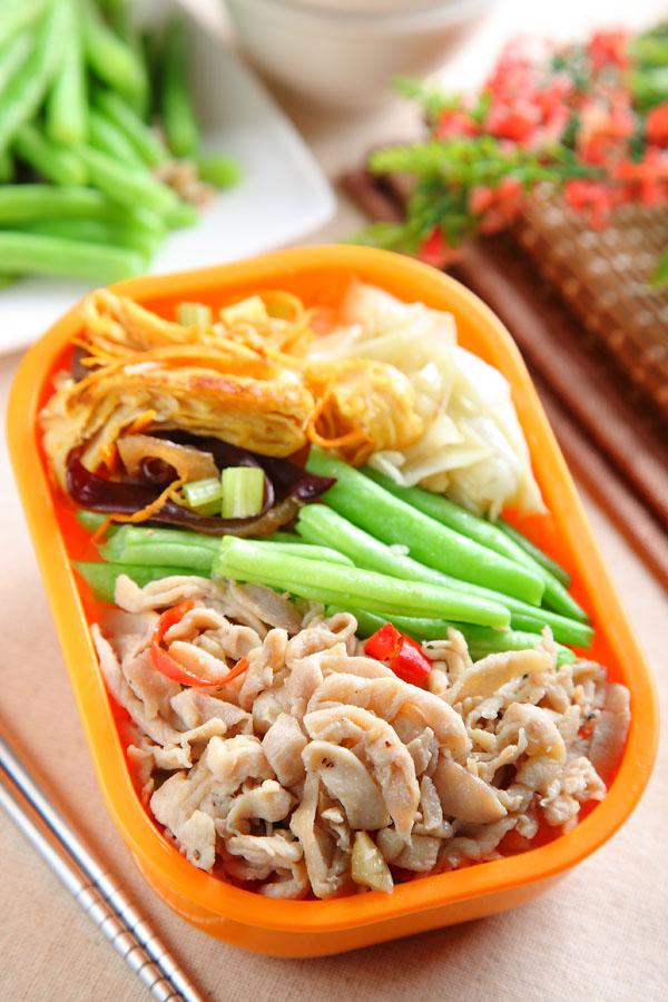 四季豆炒鸡肉