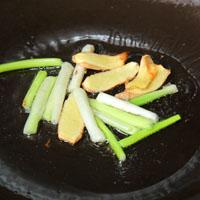 芦笋三菇五花肉