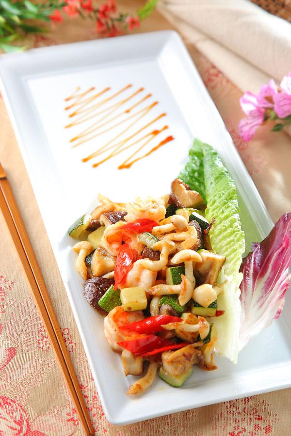 香煎鲜虾佐菇菇