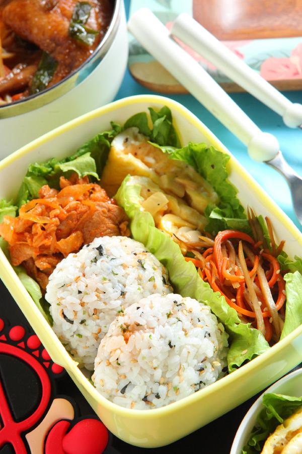 泡菜猪肉饭团