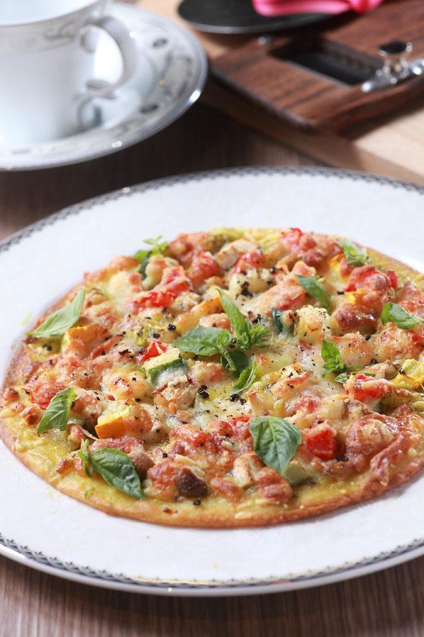 蕈菇蔬菜披萨薄饼