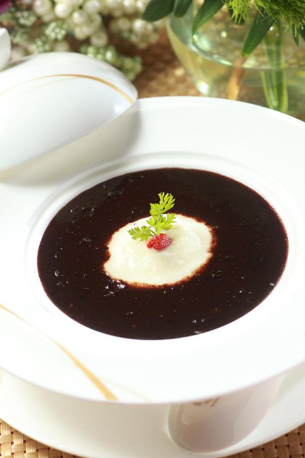 山药黑蒜紫米粥