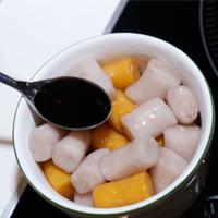 手搓芋圆甜汤