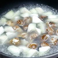 蛤蜊丝瓜豆腐汤