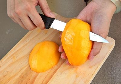 不用再去超市囤货!教你用烤箱烘出香甜芒果干!