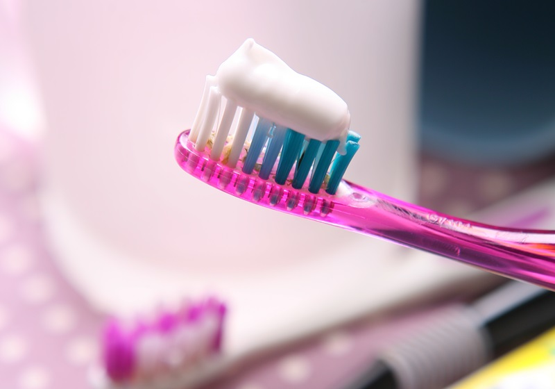 不只能刷牙!牙膏还能让厨具恢复亮晶晶!