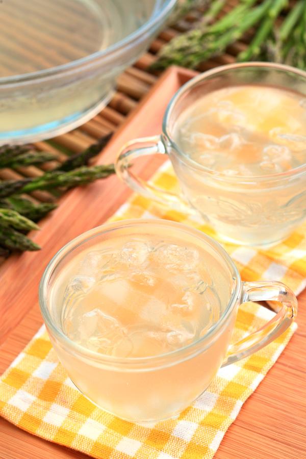 夏日解渴!教你煮出香甜爽口的芦笋汁!