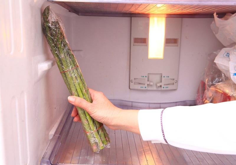 芦笋放冰箱要用「站」的?提升脆度就用这招…