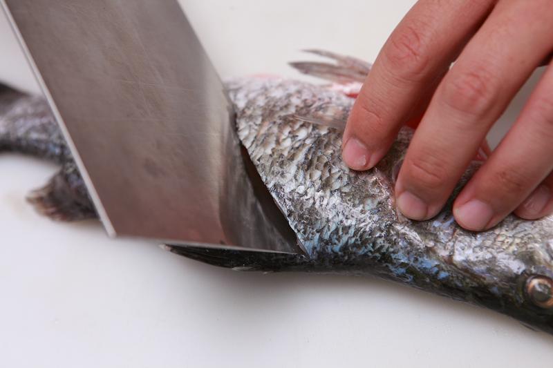 鲜鱼下锅前,记得先做这 4 件事!