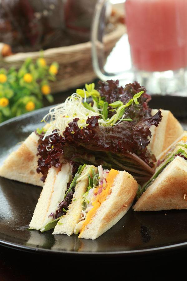 田园蔬菜三明治