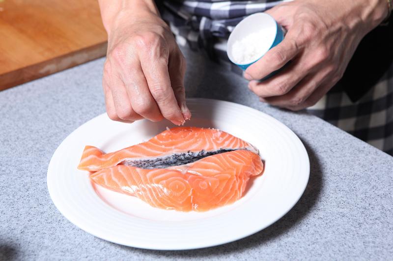 法式奶酱鲑鱼 (影片)